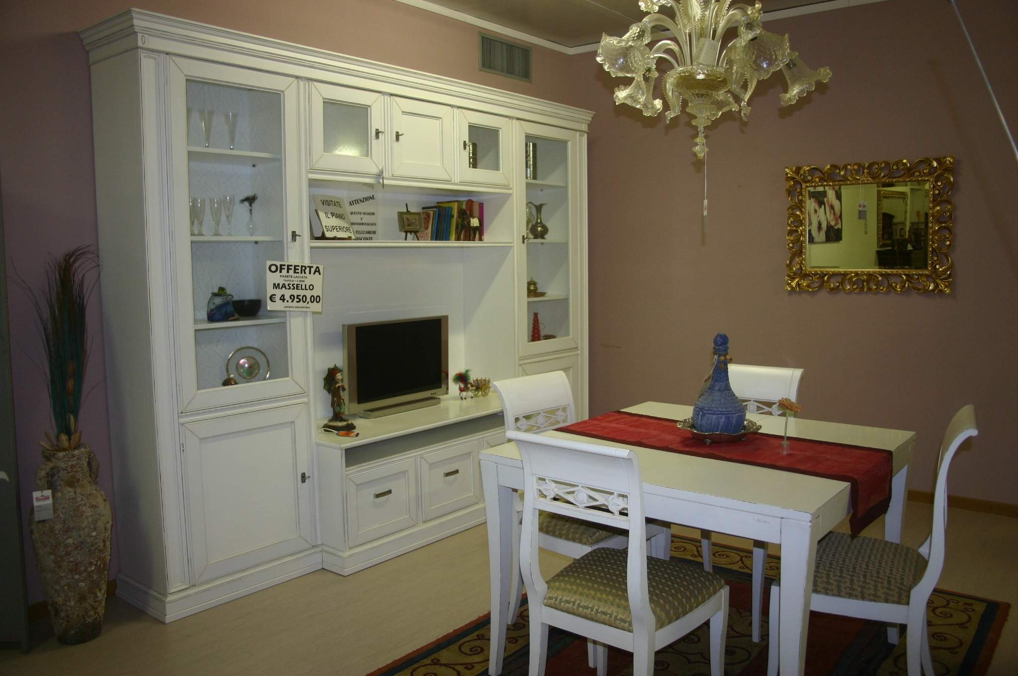 Soggiorno tavolo e 4 sedie piacentini arredamenti for Arredamenti roma outlet