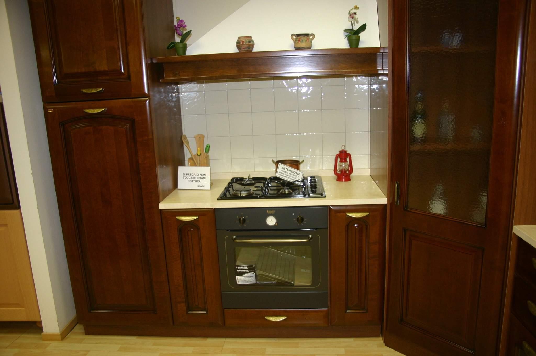 Cucina bindi opera piacentini arredamenti for Opera arredamenti